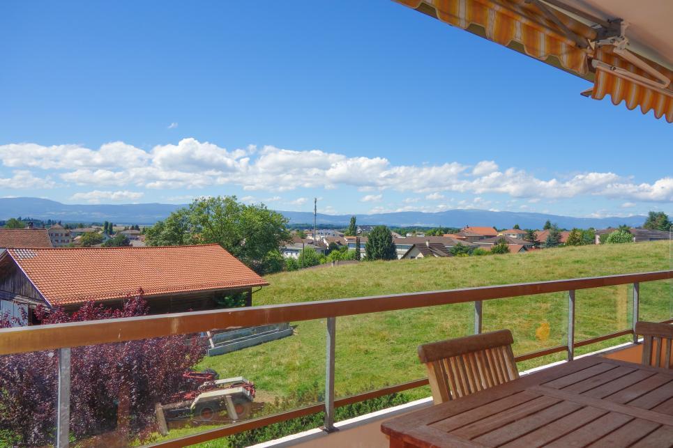 <p>Cheseaux-sur-Lausanne - A 20 minutes de Lausanne-centre. Vue dégagée sur les montagnes.</p>