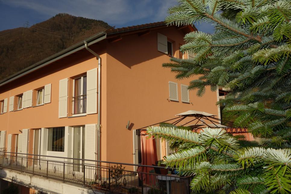 <p>Villeneuve VD - Généreuse villa de 2 appartements avec piscine couverte</p>