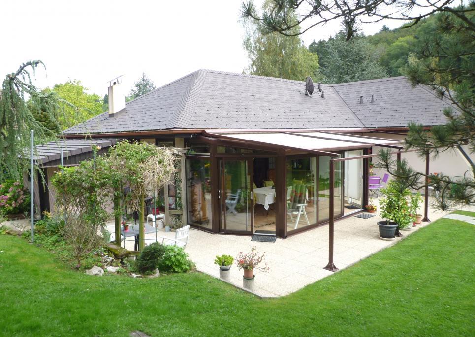 <p>Forel (Lavaux) - Villa idéale pour indépendants ou amoureux de grands espaces à vivre.</p>